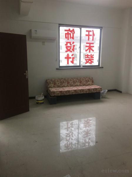 出售新北区太湖路办公室(新区法院南门对面)