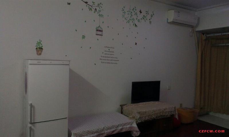 拎包即住:金百国际两居室,1年起租